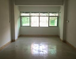 惠东县平山富利花园3房2厅简单装修出售