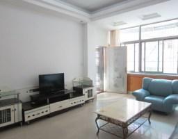 惠东县平山滨源小区4房2厅中档装修出售