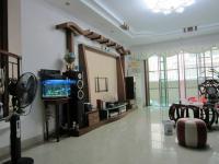惠东县平山广厦花园跃式4房2厅中档装修出售