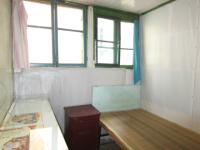 花山区佳山路妇幼保健医院对面中岗二村院内自建房一室一卫出租
