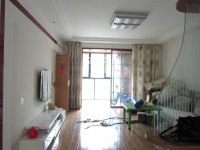 雨山区欧尚建中附近春晖家园二期三室两厅中装出售