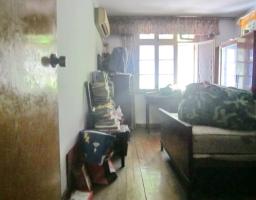 雨山区雨山路朱然墓公园附近鹊桥二村三室一厅老式装修出售