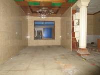 宿松南路民众乐园二间三层单门独院简单装修出售