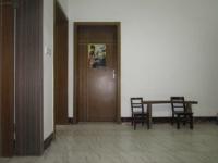 城东人民东路城中人民医院后3房1厅简单装修出售