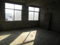 宿中宿舍二楼毛坯带二十六平米的车库+性价比高急售