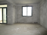 城北龙门北路山水港湾3房2厅毛坯出售