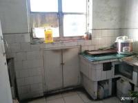 西峰南大街水保站家属楼房厅出售