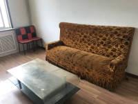 西峰南苑路文化局家属楼房厅出租