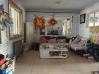人民路小学附近广安公寓3室2厅118平带小房8平老证118万价格可议出售