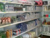 化妆品美发用品批发商行出兑,货品齐全